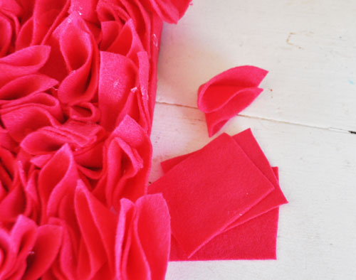 felt valentine hear wreath002