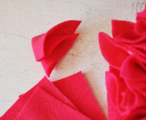 felt valentine hear wreath004